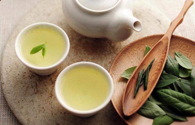 Nước lá trà xanh