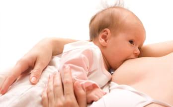 Cách tập cho trẻ bú mẹ