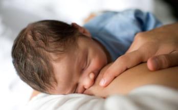 Phản xạ xuống sữa khi cho con bú